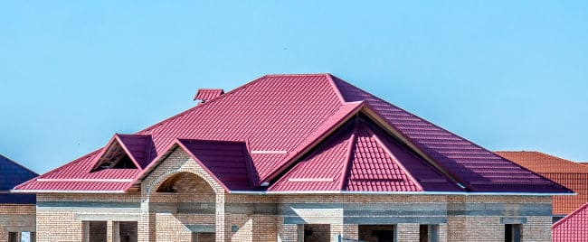 A Fort Wayne, IN home with style thanks to a metal roofing contractor.