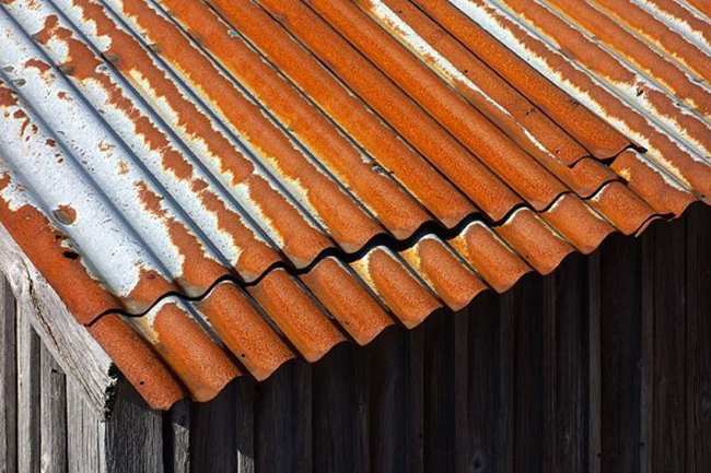 Metal roofing should be sealed with non- corrosive agent to prevent rust and corrosion.