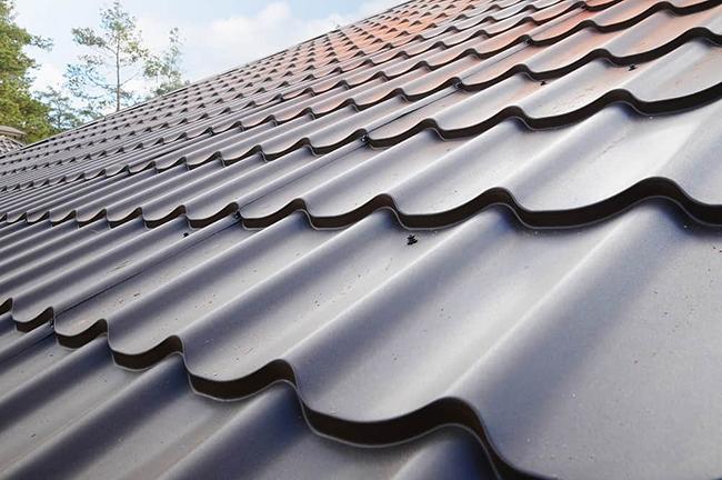 Metal shingles and tiles give a traditional asphalt shingles look.